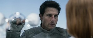 oblivion tom cruise en uniforme