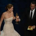 Oscar de la meilleure actrice pour Jennifer Lawrence (ici avec Jean Dujardin)
