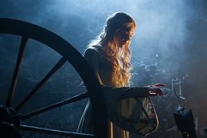 Elle Fanning est Aurore dans Maléfique ©2014 Disney