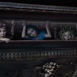 Les fées interprêtés par Imelda Staunton, Juno Temple, Lesley Manville dans Maléfique ©2014 Disney