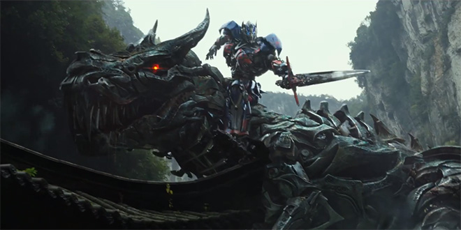 transformers 4 : Optimus Prime chevauchant Grimlock